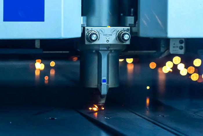 image d'un appareil de découpe laser de métal Trumpf